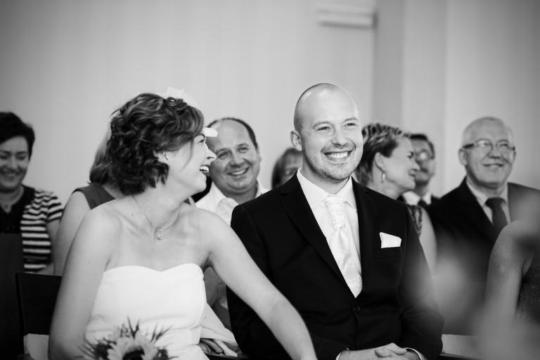 Szczery uśmiech, pełnia szczęścia na weselu