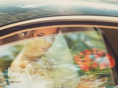 Sylwia i Paweł – szpaler i białe gołąbki będą mi przypominały o Waszym weselu