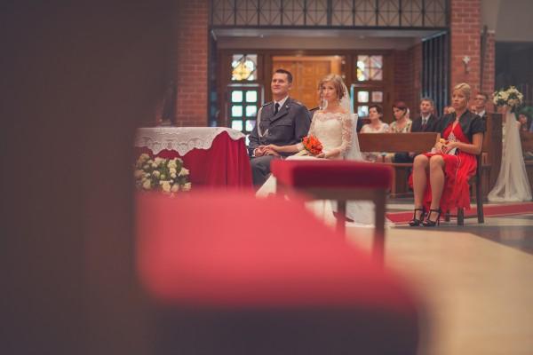 Msza kościelna w dniu ich ślubu
