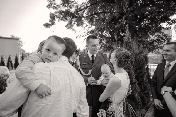 Dziecko podczas składania życzeń