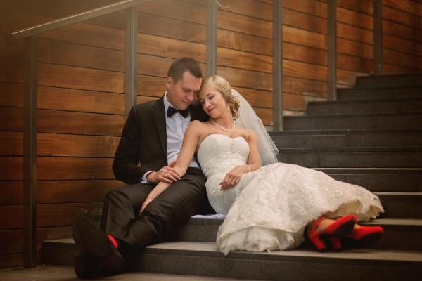 Romantyczne zdjęcie pary młodej