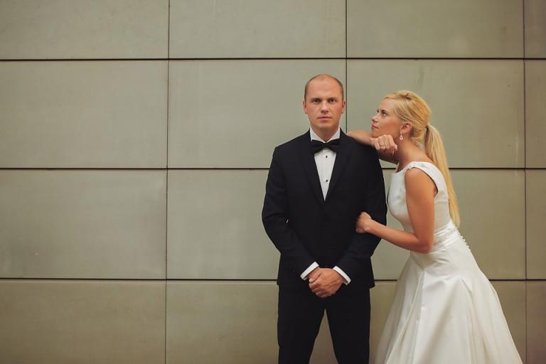 Para na białym tle, Uiliuili, Bond i jego żona